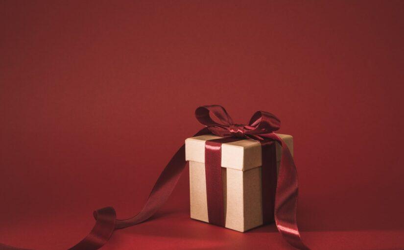 Gaveguide: Sådan finder du den helt rigtige gave til dine bedsteforældre